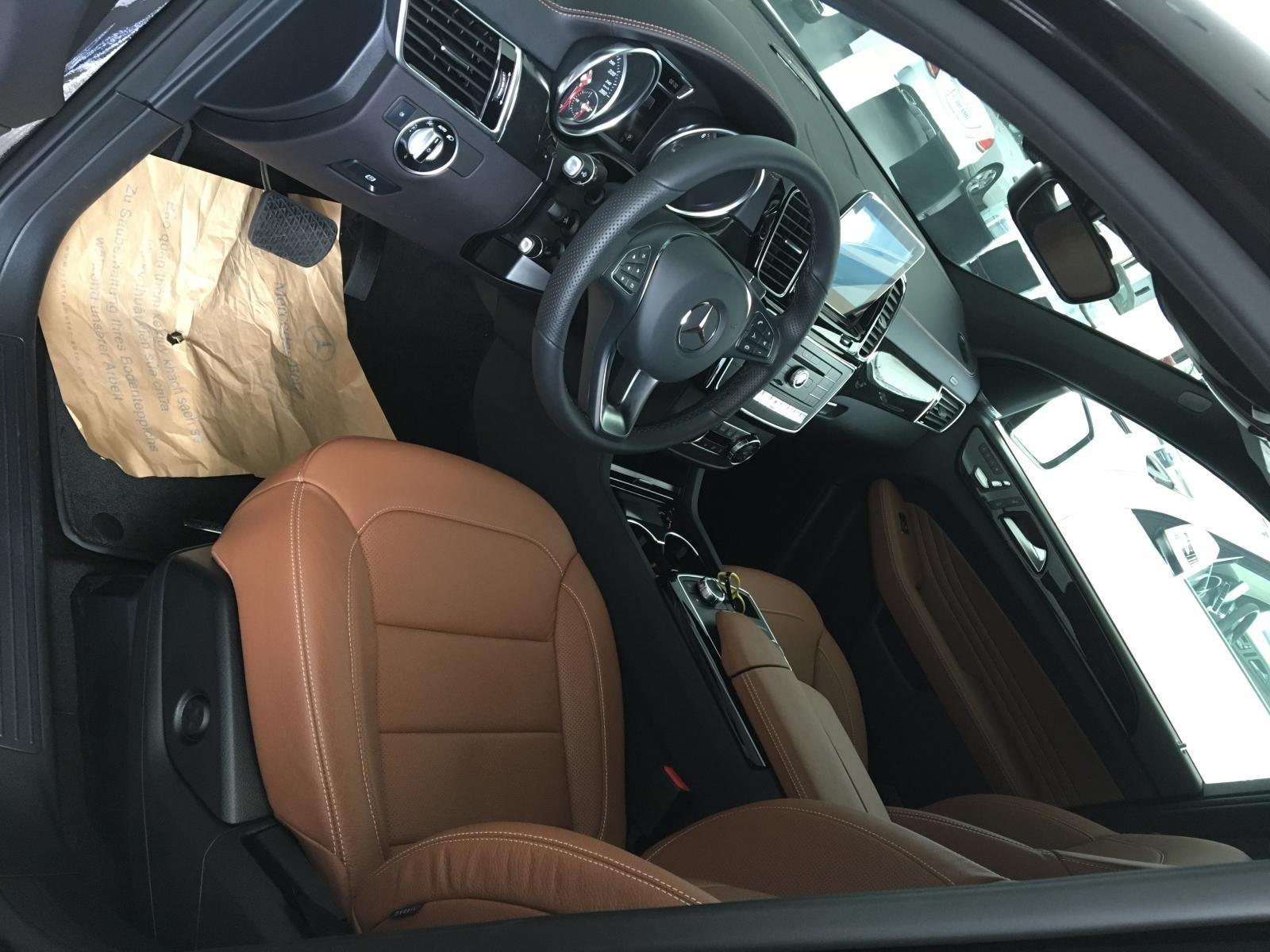 Siêu SUV Mercedes GLE 400 Coupe, nhập khẩu Mỹ, 01 xe duy nhất giảm giá 10% trong tháng 10/2019, xe giao ngay (8)