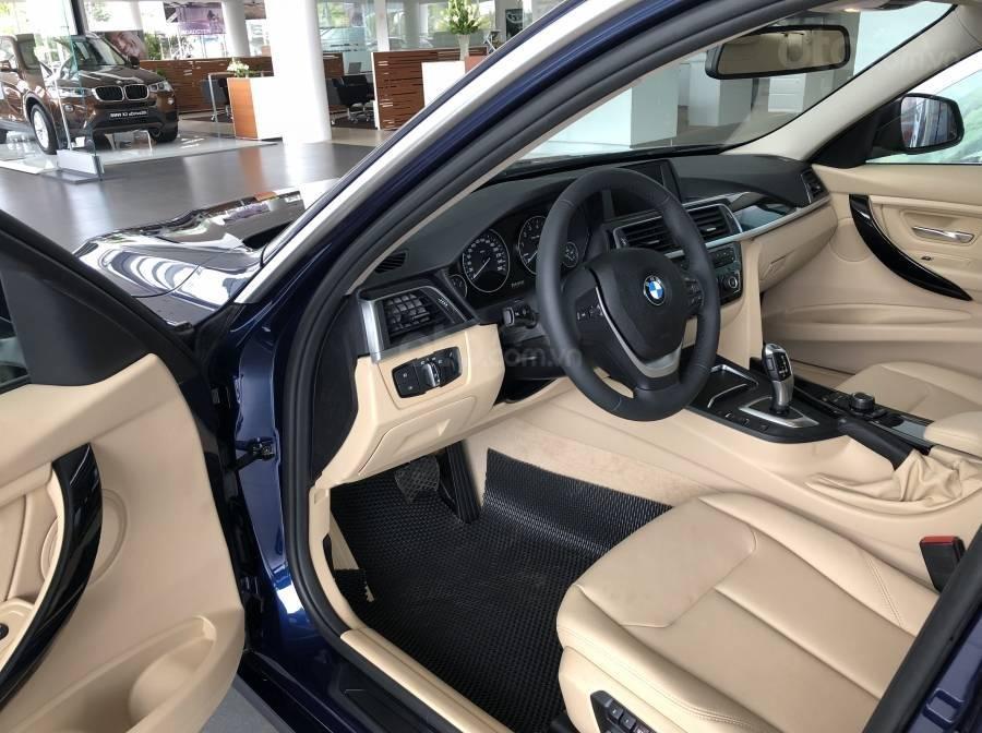 Ưu đãi 16% giá xe BMW 320i - xe có sẵn - giao xe ngay (5)