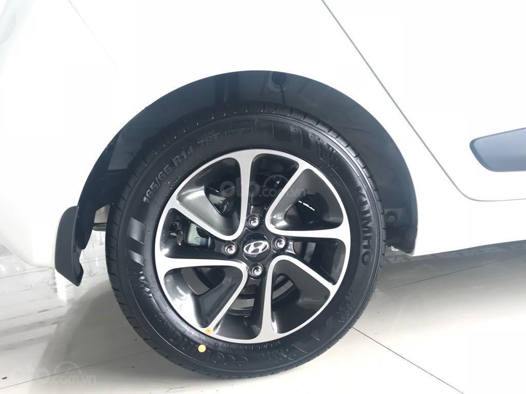Bán Hyundai Grand i10 1.2AT, 2019, màu trắng, giao ngay- đủ màu (5)