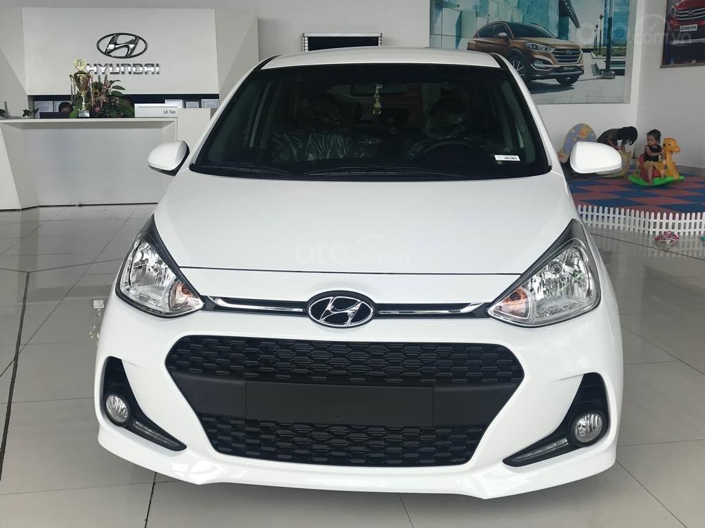 Bán Hyundai Grand i10 1.2AT, 2019, màu trắng, giao ngay- đủ màu (1)