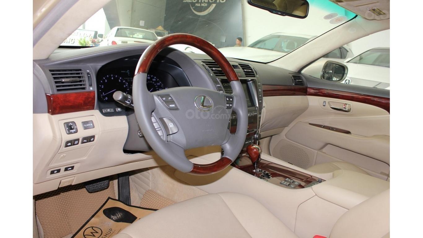 HCM: Lexus LS 600HL 5.0 AT 2010, màu vàng, xe nhập (8)