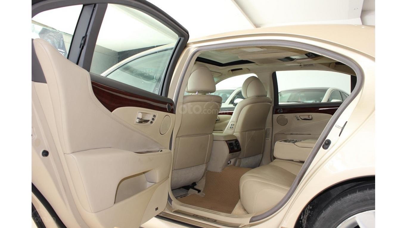 HCM: Lexus LS 600HL 5.0 AT 2010, màu vàng, xe nhập (13)