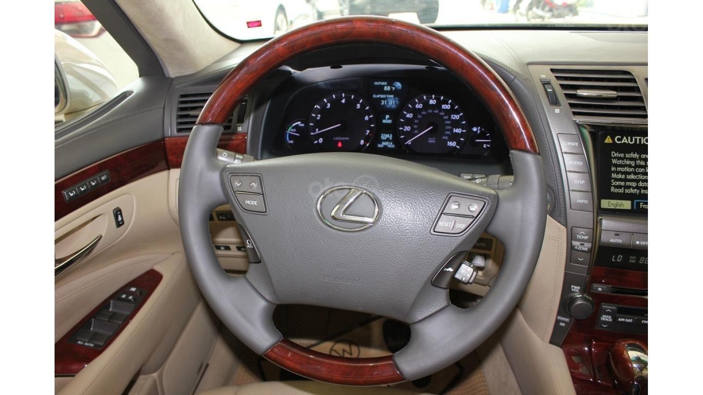 HCM: Lexus LS 600HL 5.0 AT 2010, màu vàng, xe nhập (10)