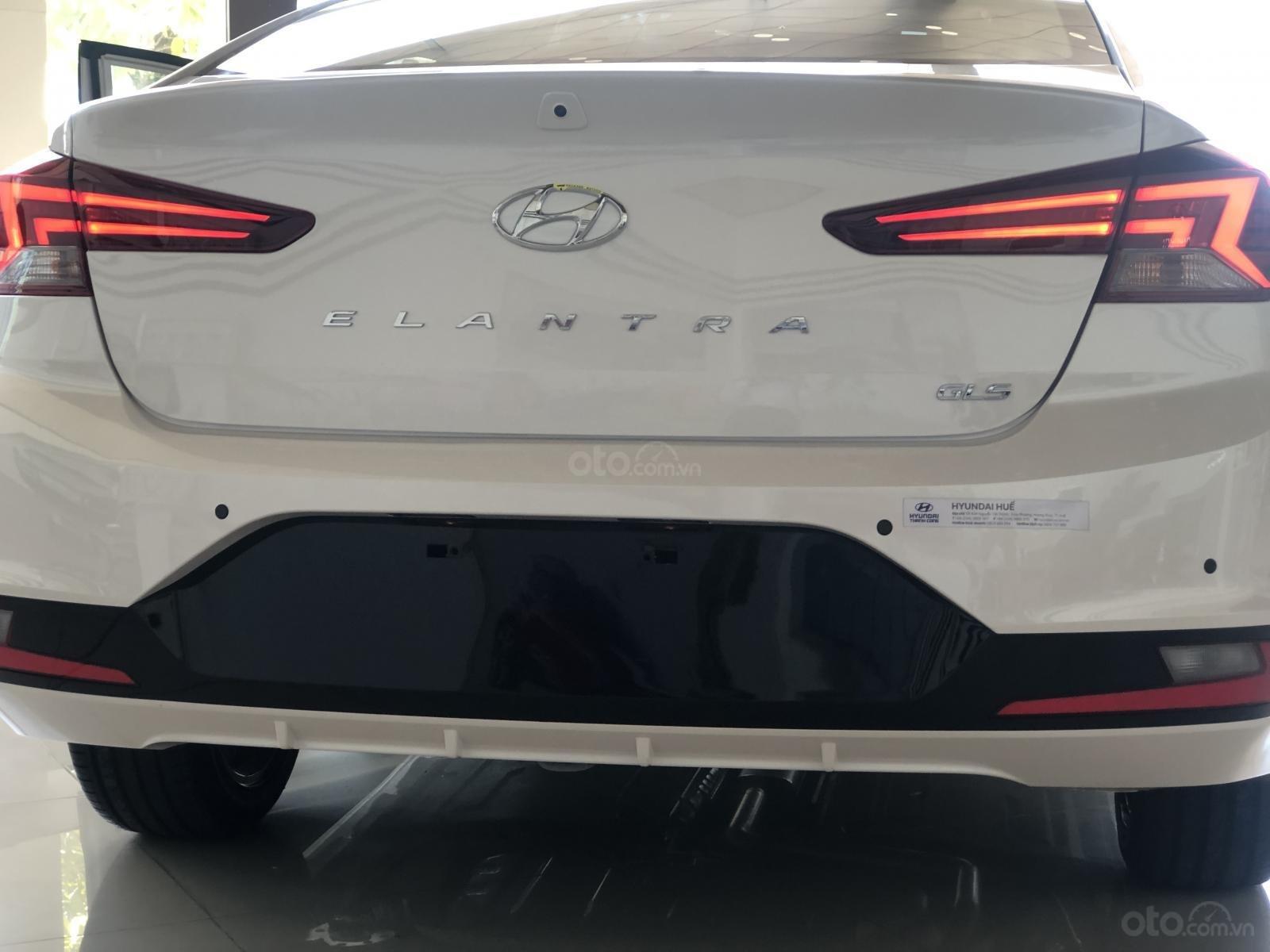 Xe Hyundai Elantra 2019, giá từ 555tr - màu trắng- giao ngay - LH: 0919293553 (3)