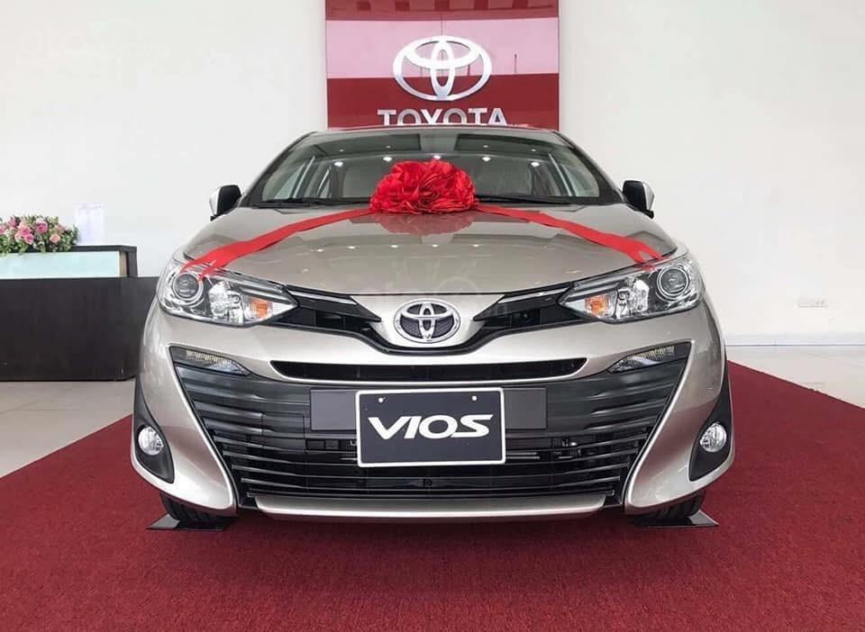 Toyota Vios số sàn, nhận xe chỉ 120Tr, giao ngay, đủ màu, giảm tiền mặt, tặng BH thân vỏ (6)