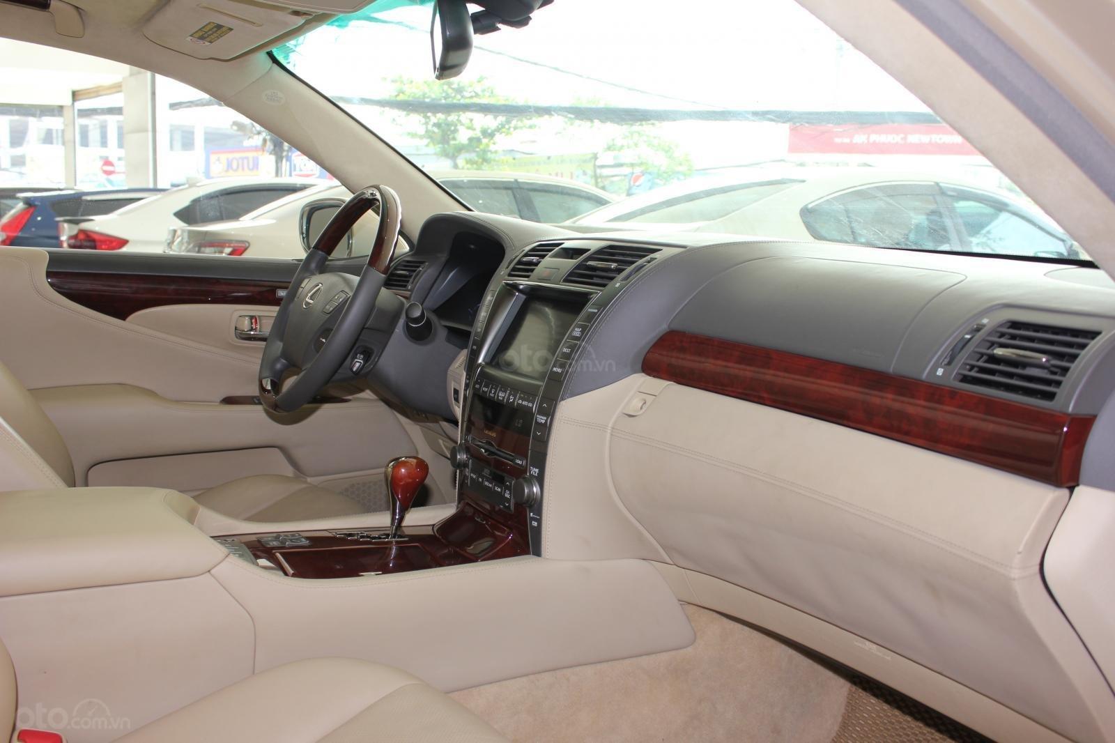 Cần bán xe Lexus LS 600HL 5.0 xăng điện 2008, màu vàng, nhập khẩu (17)