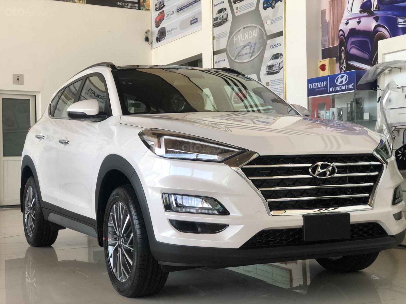 Xe Hyundai Tucson 2019, màu trắng- giao ngay- LH: 0919293553 (1)
