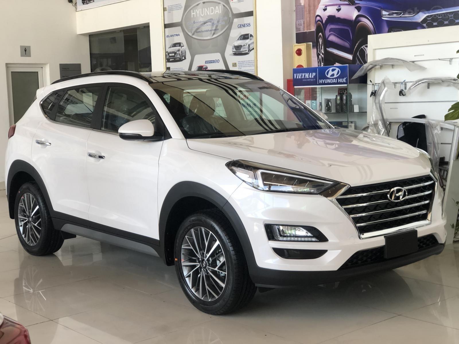 Xe Hyundai Tucson 2019, màu trắng- giao ngay- LH: 0919293553 (4)