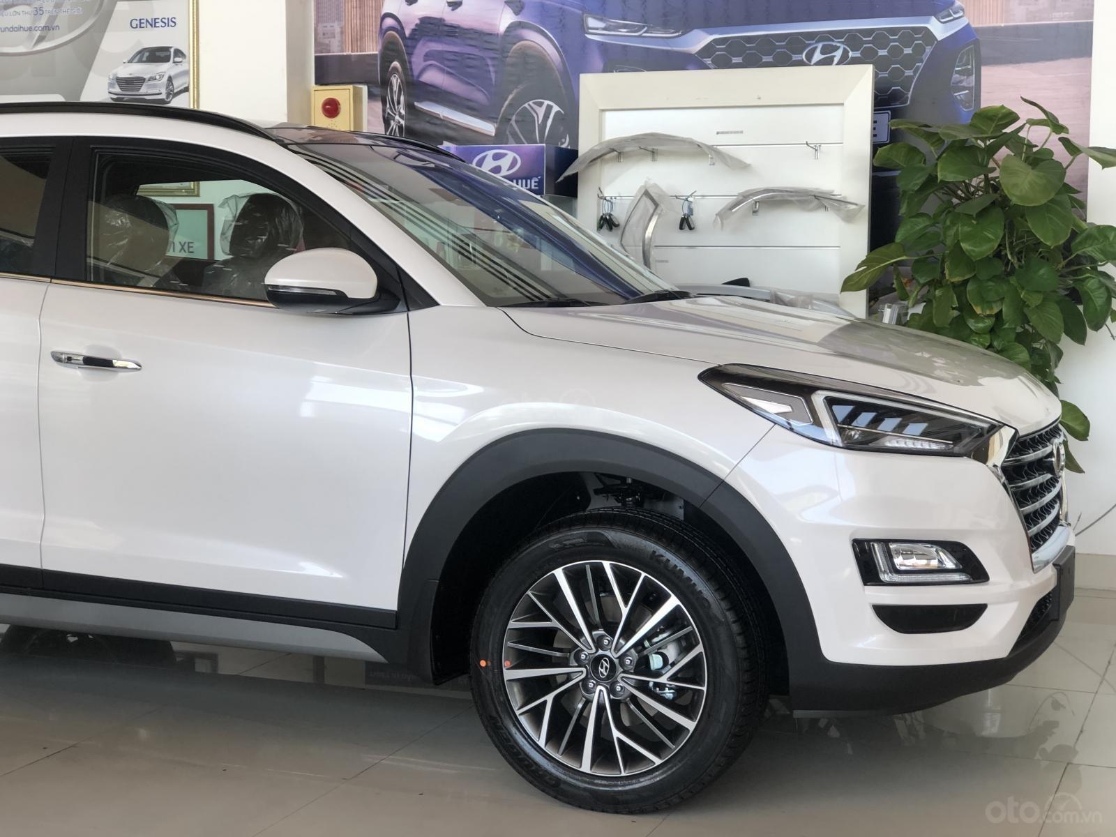 Xe Hyundai Tucson 2019, màu trắng- giao ngay- LH: 0919293553 (5)