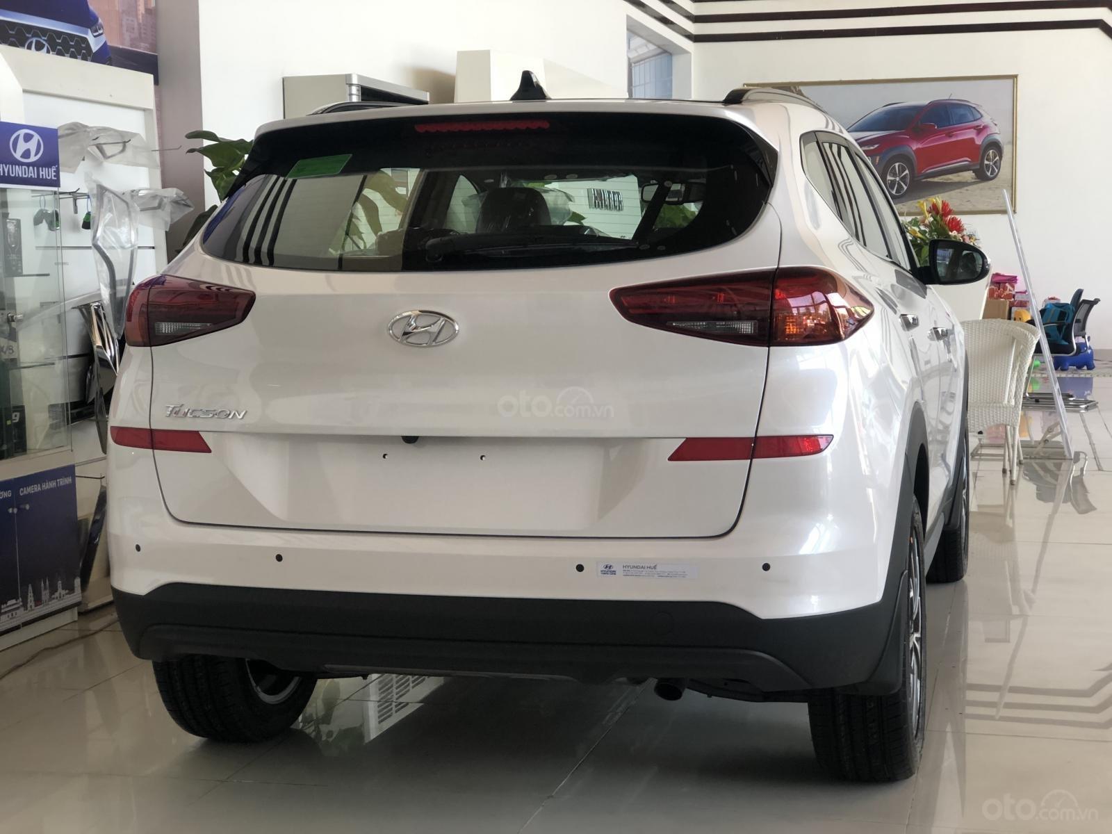 Xe Hyundai Tucson 2019, màu trắng- giao ngay- LH: 0919293553 (8)