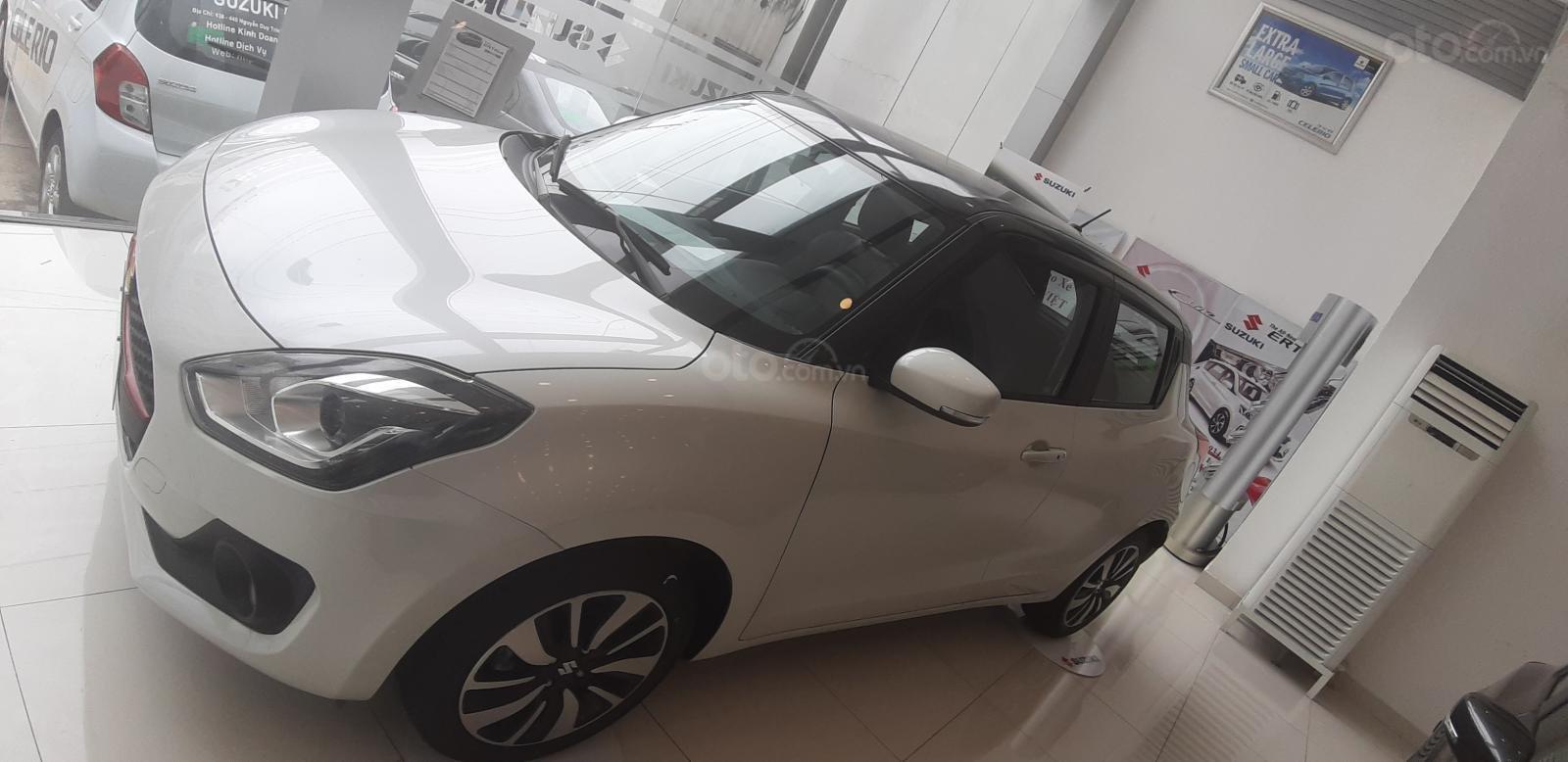 Bán Suzuki Swift 2019 hổ trợ giá tốt ngân hàng lãi suất hấp dẫn (2)