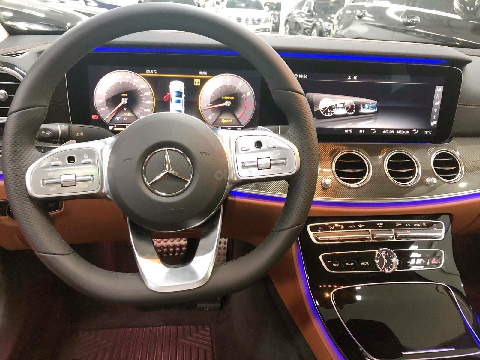 Giá xe Mercedes E300 AMG 2020, ưu đãi khủng, tặng 100% thuế trước bạ (6)