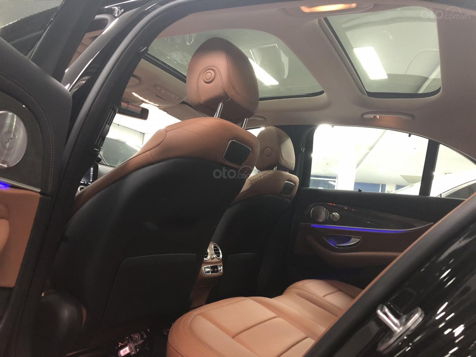 Giá xe Mercedes E300 AMG 2020, ưu đãi khủng, tặng 100% thuế trước bạ (8)