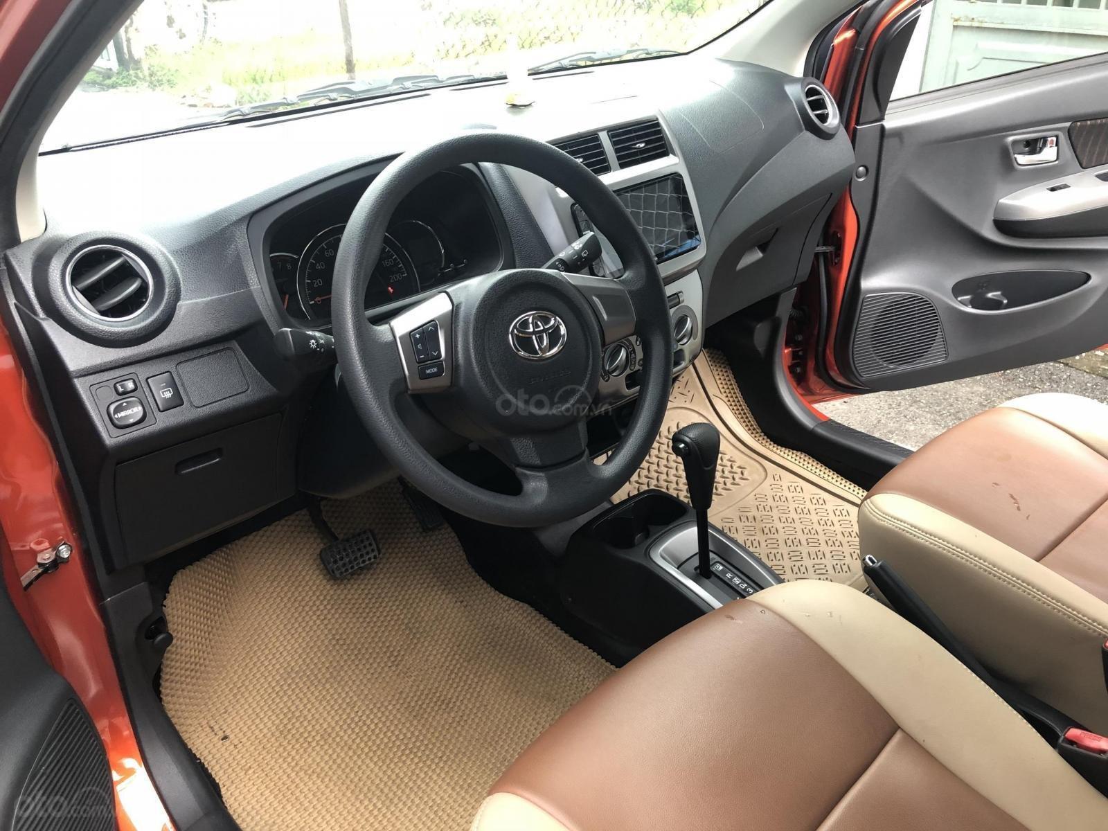 Bán Toyota Wigo tự động nhập Indo 2019, cam thể thao (11)