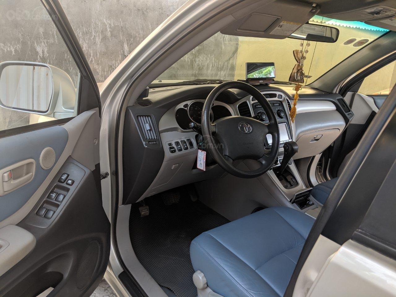 Bán Toyota Highlander 2006 3.3L V6, màu bạc, xe nhập (3)
