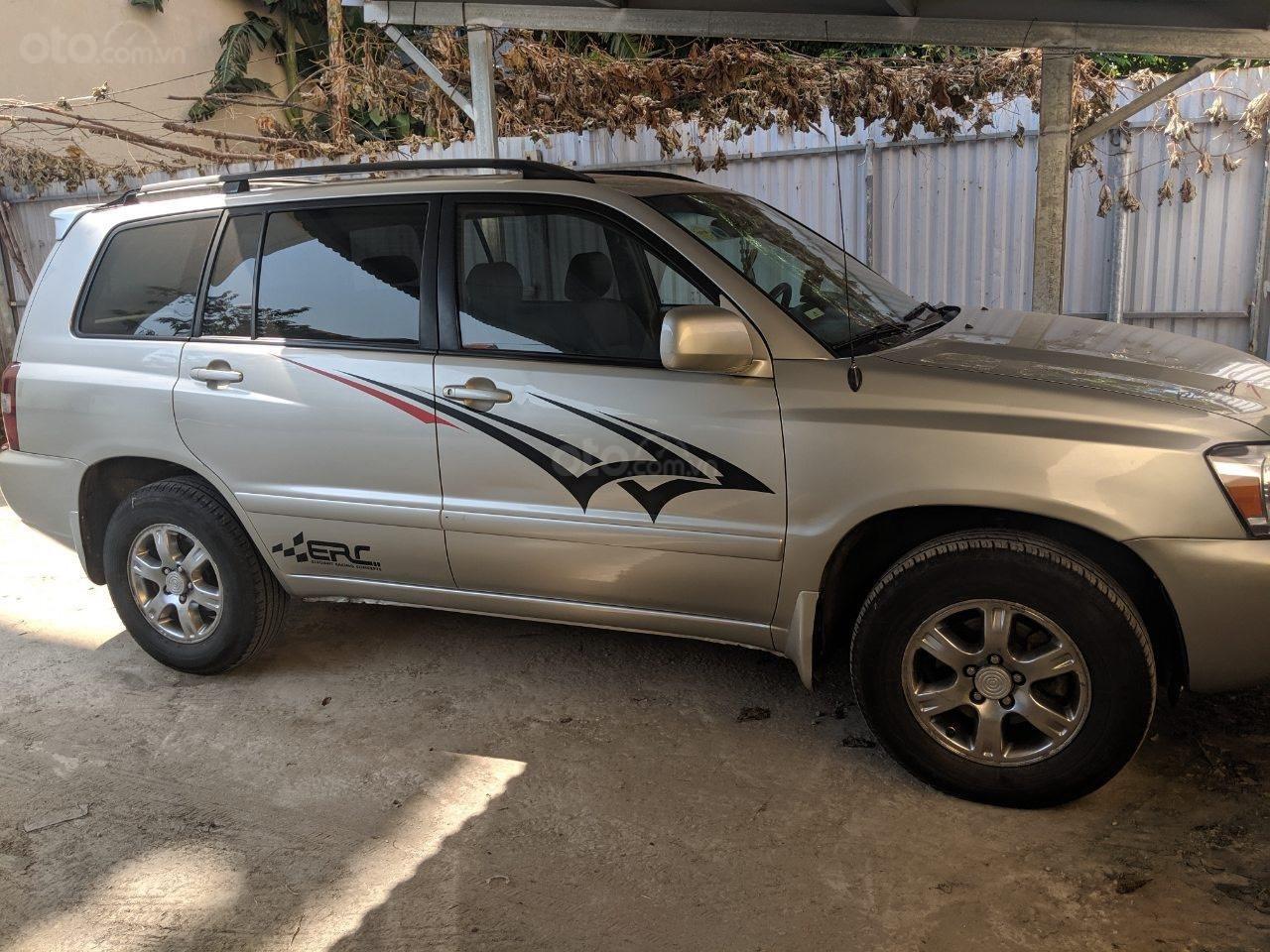 Bán Toyota Highlander 2006 3.3L V6, màu bạc, xe nhập (1)
