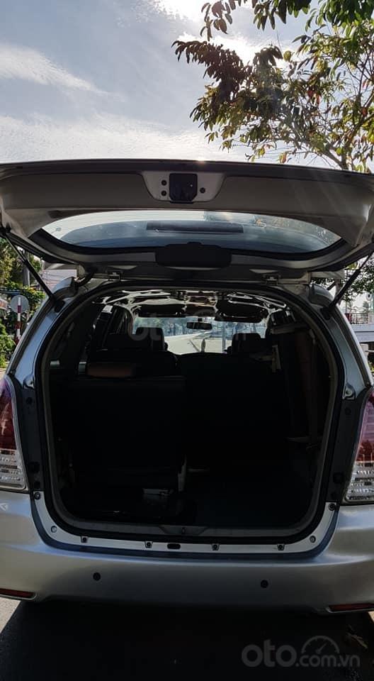 Bán xe Innova 2010 số tự động, màu bạc (9)