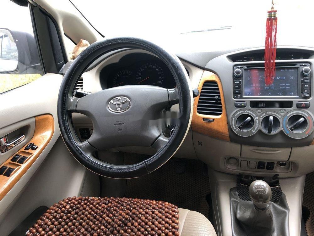 Cần bán Toyota Innova 2009, màu bạc, 360tr (7)