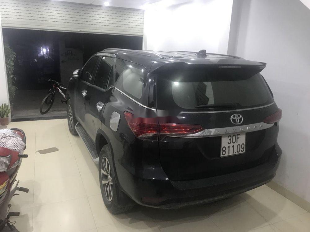 Bán Toyota Fortuner năm sản xuất 2017, màu đen (2)