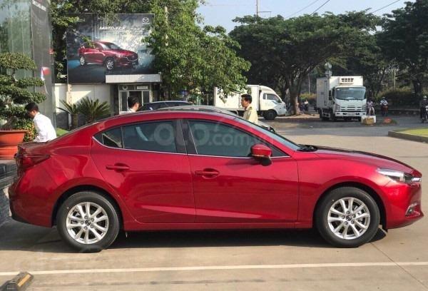 Bán Mazda 3 Luxury 1.5L đỏ pha lê lung linh - ưu đãi lên đến 70 triệu-giá tốt nhất TPHCM (2)