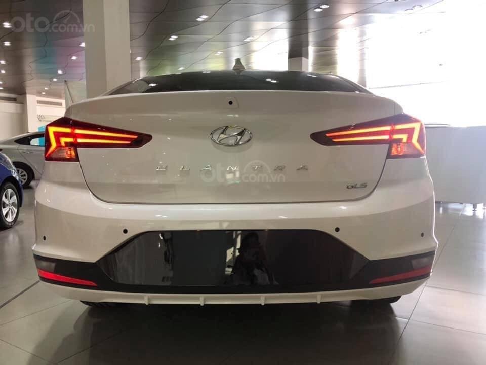 Cần bán Hyundai Elantra 2019, màu trắng, 664tr (4)