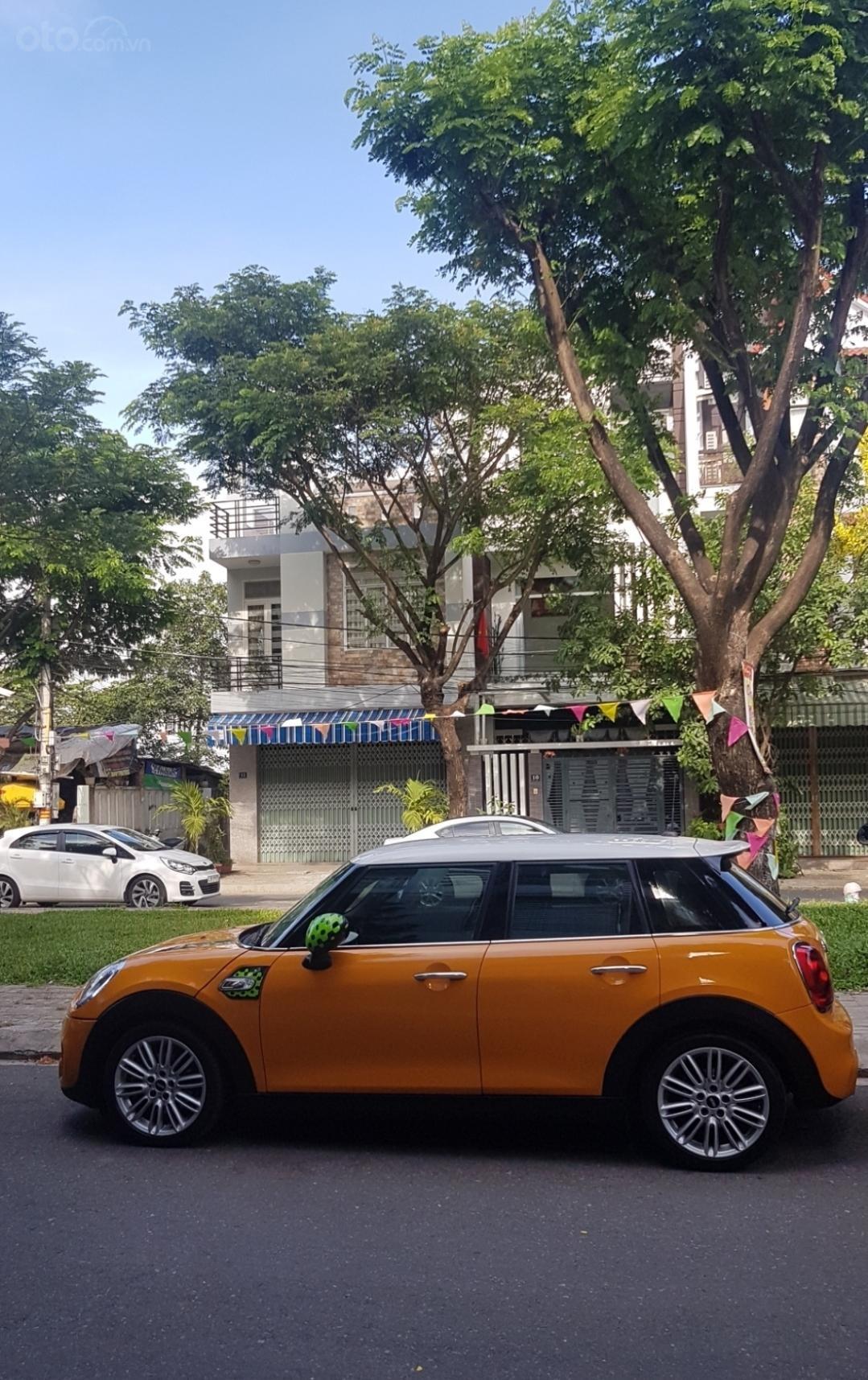 Bán Mini Cooper S 5 Door full option, màu vàng, xe nhập từ Anh (1)