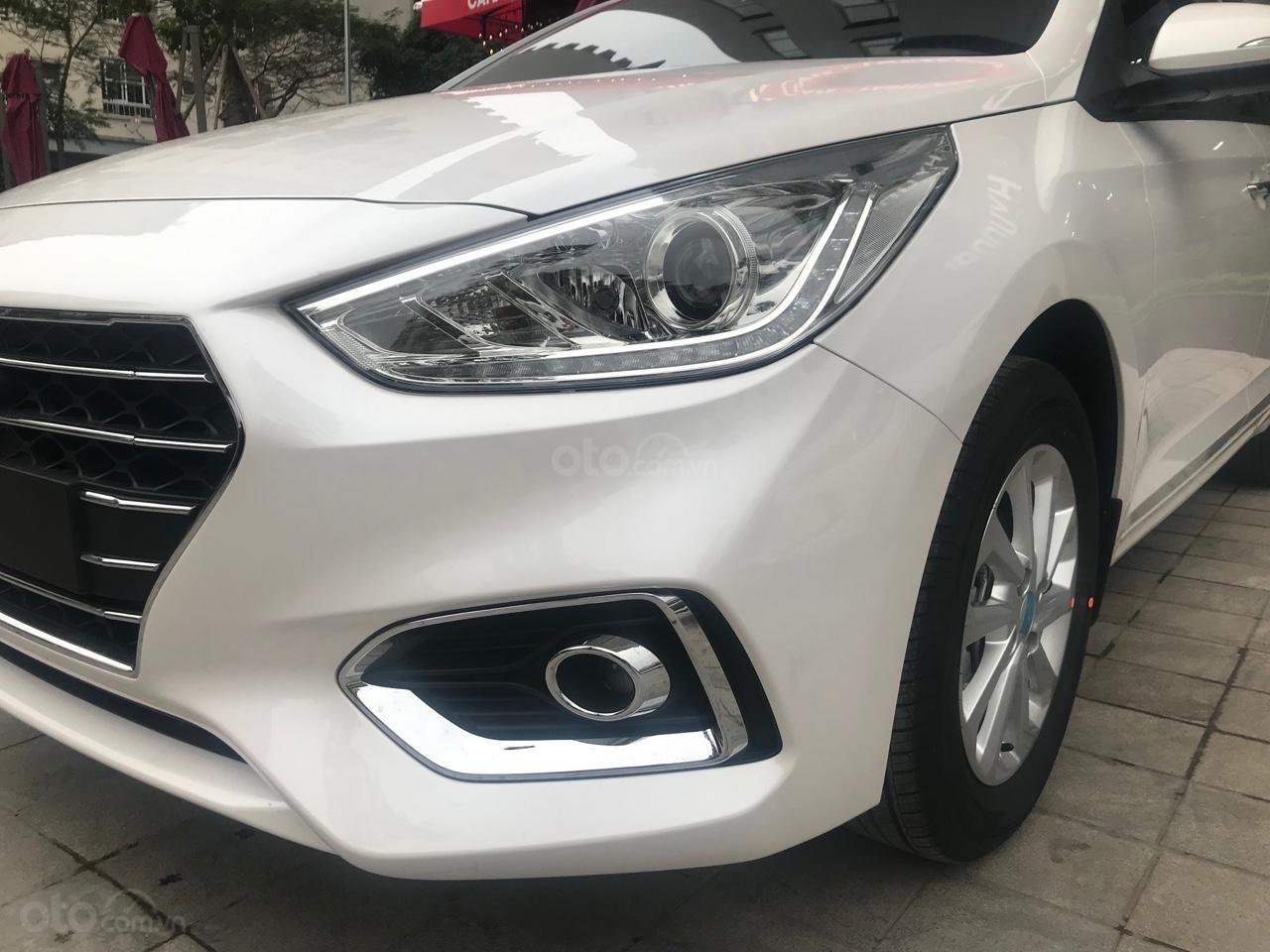 Hyundai Accent AT 2019, màu trắng, giá tốt giao xe ngay, LH: 0352330999 (2)