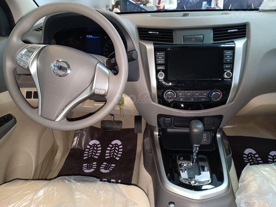 Bán xe Nissan Navara EL R-Z tại Bình Dương, tặng nắp thùng, phim cách nhiệt (2)