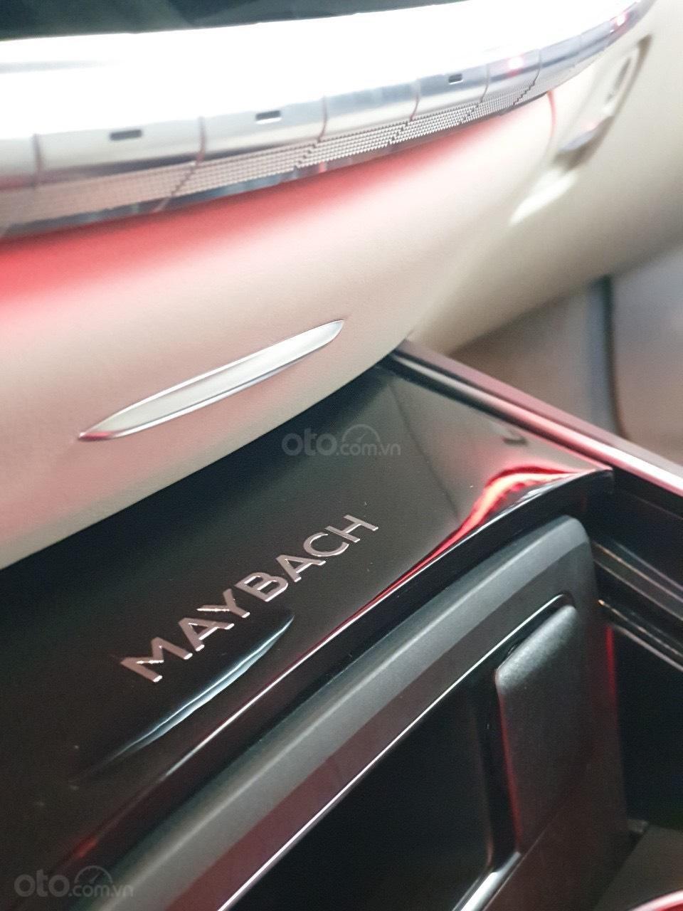 Bán Mercedes Maybach S560 hàng khủng, độc đáo đã về tới Showroom (12)