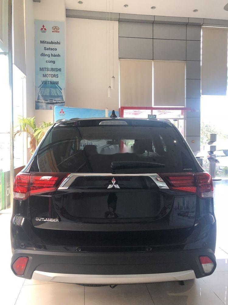 Bán ô tô Mitsubishi Outlander sản xuất 2018, màu đen (4)