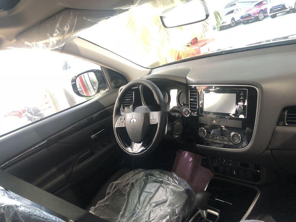 Bán ô tô Mitsubishi Outlander sản xuất 2018, màu đen (5)