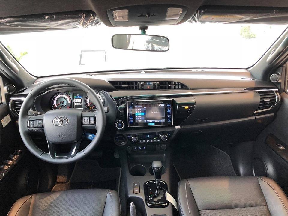 Bán Toyota Hilux 2.8G 4x4 AT 2019 nhập khẩu 100%, cam kết giá rẻ nhất, có xe giao ngay, đủ màu. LH: 097.656.0012 (4)
