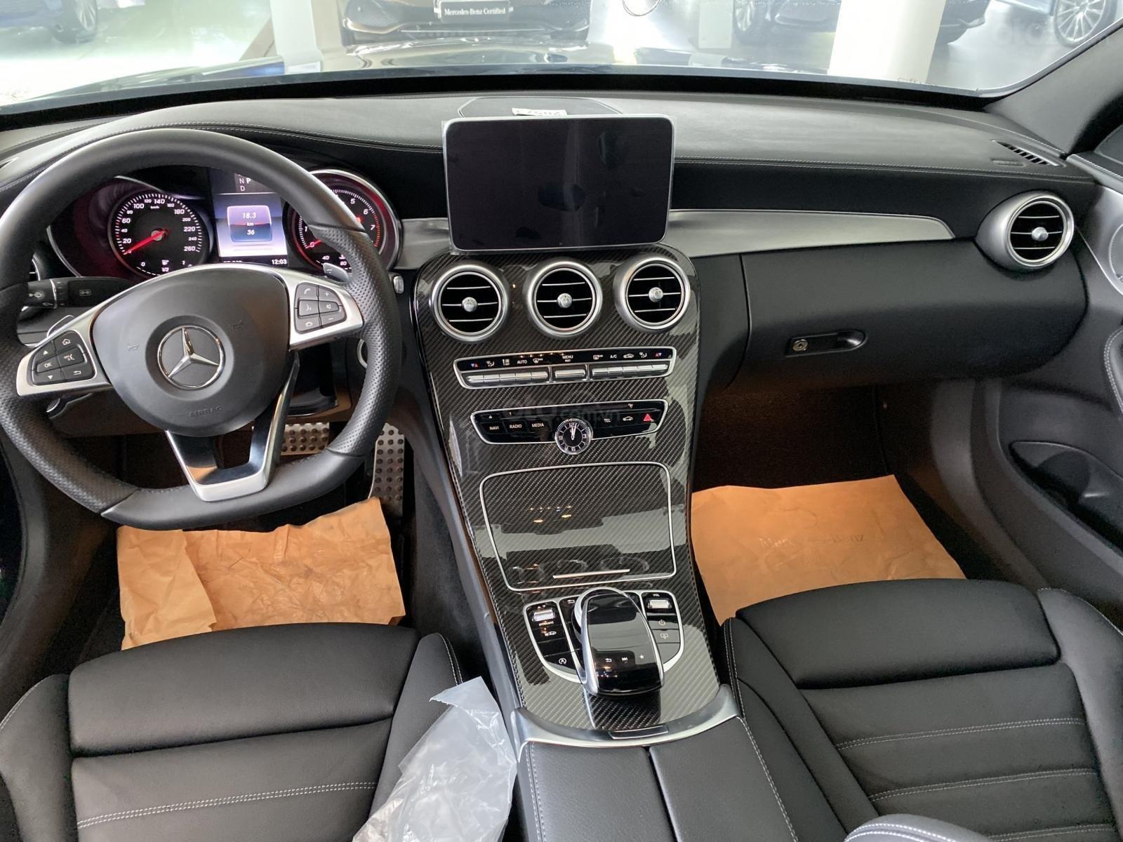 Bán Mercedes C300 AMG model 2018, bảo hành 5 năm, chính hãng, hỗ trợ trả góp (6)