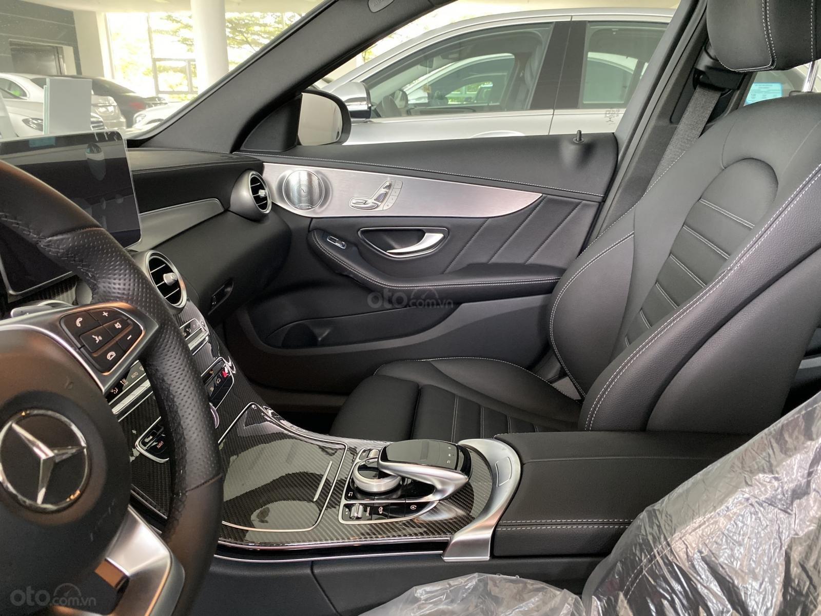 Bán Mercedes C300 AMG model 2018, bảo hành 5 năm, chính hãng, hỗ trợ trả góp (10)