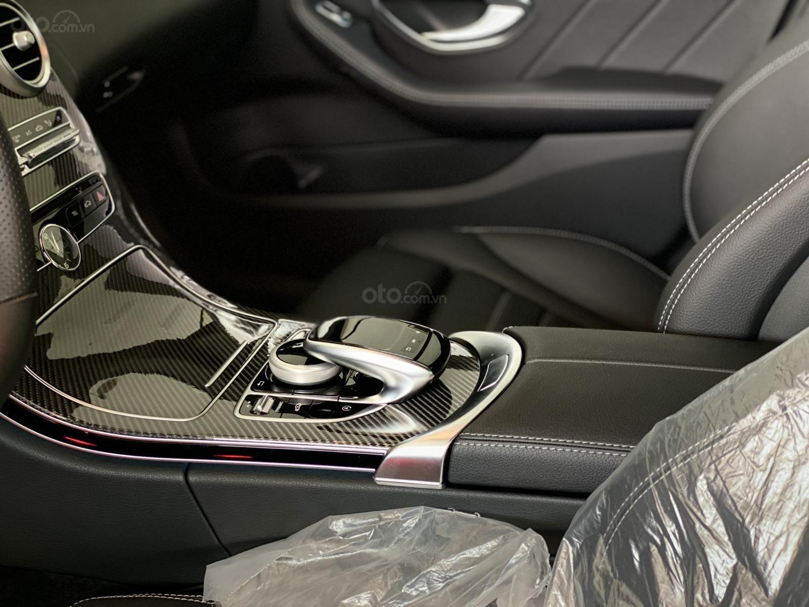 Bán Mercedes C300 AMG model 2018, bảo hành 5 năm, chính hãng, hỗ trợ trả góp (12)