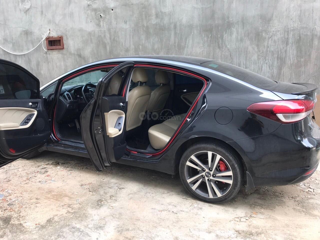 Bán ô tô Kia Cerato đời 2018, màu đen số tự động (2)