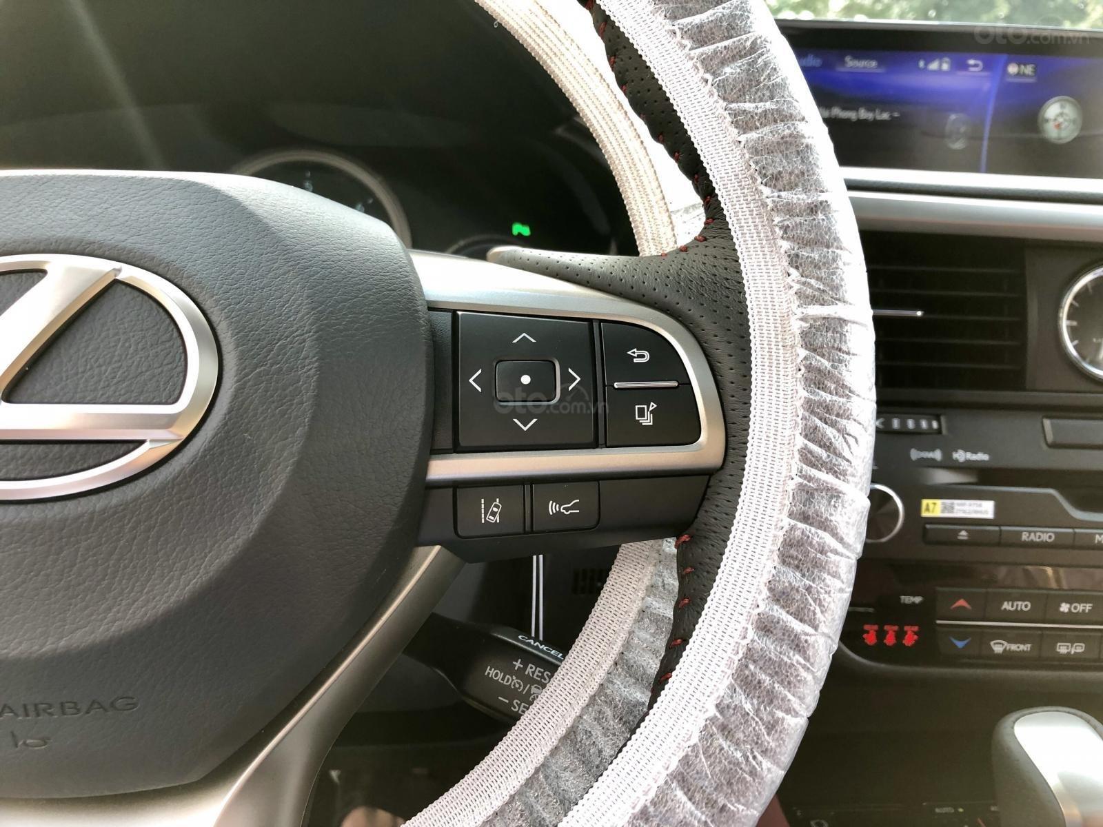 Bán xe Lexus RX350 Fsport 2019 màu trắng, mới 100% nhậP Mỹ. Trả trước 1 tỷ, bank hỗ trợ 80%. Em Lộc: 093.798.2266 (22)