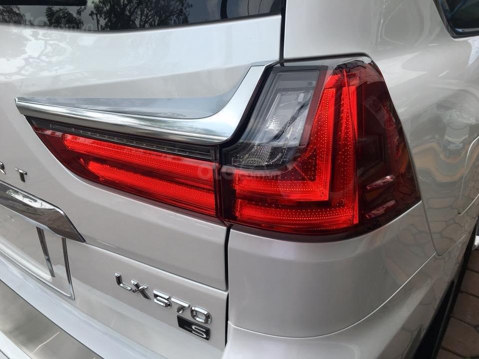 Bán Lexus LX 570S Super Sport model 2020, xe mới giao ngay toàn quốc, giá tốt LH: 093.996.2368 Ms Ngọc Vy (7)