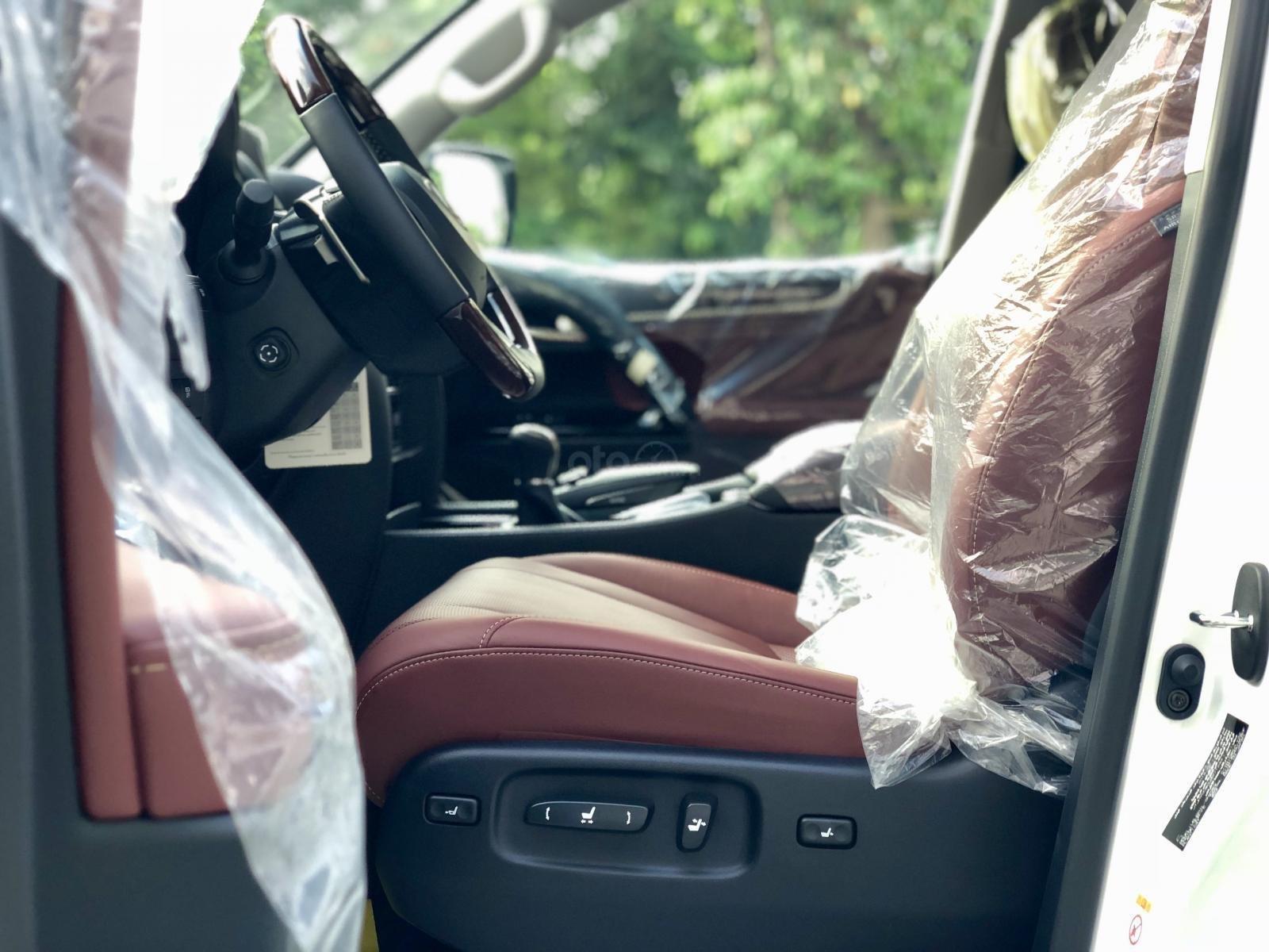 Bán Lexus LX 570S Super Sport model 2020, xe mới giao ngay toàn quốc, giá tốt LH: 093.996.2368 Ms Ngọc Vy (13)