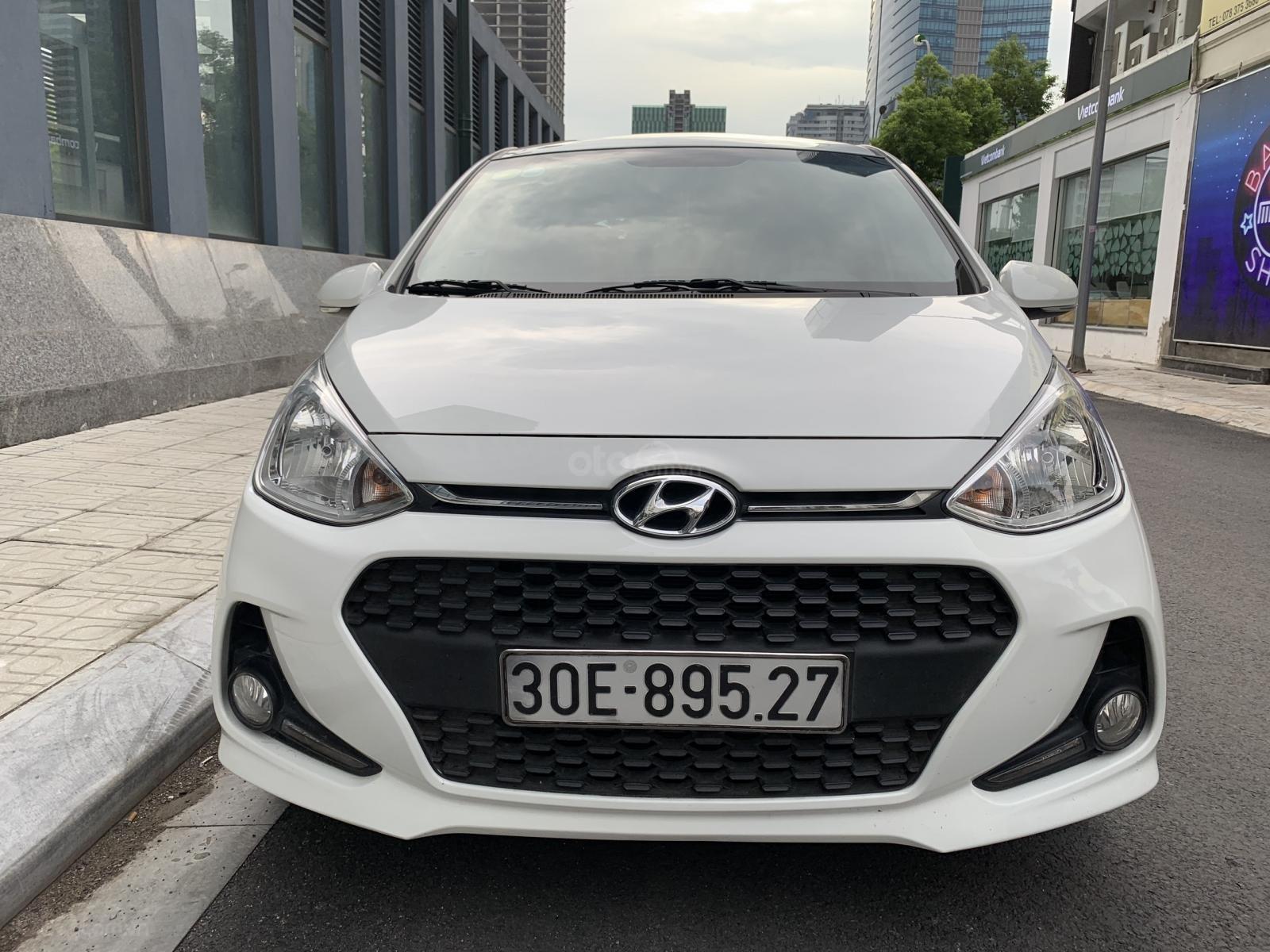 Cần bán xe Hyundai Grand i10 1.2AT Hatchback sản xuất 2017, màu trắng, nhập khẩu nguyên chiếc, 390tr (3)