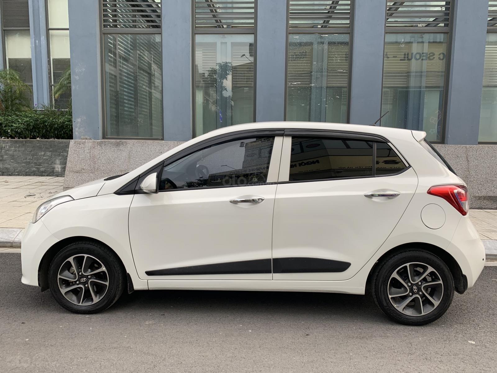 Cần bán xe Hyundai Grand i10 1.2AT Hatchback sản xuất 2017, màu trắng, nhập khẩu nguyên chiếc, 390tr (7)