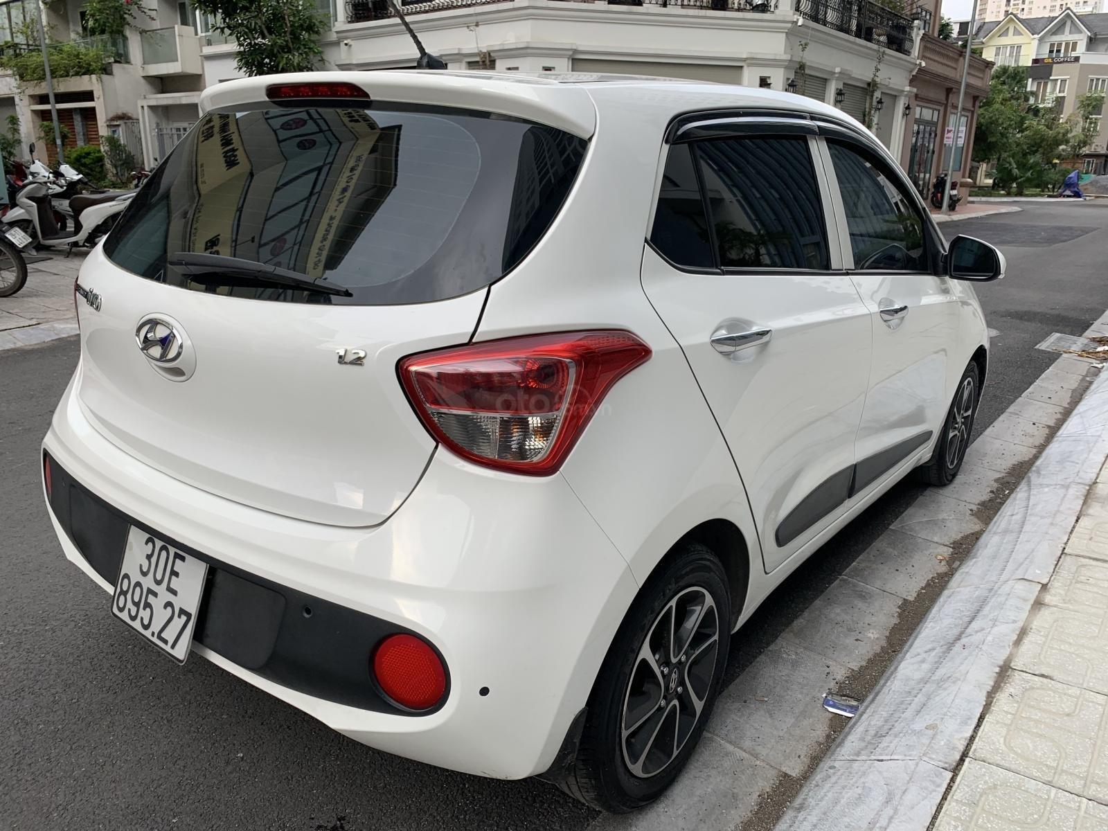 Cần bán xe Hyundai Grand i10 1.2AT Hatchback sản xuất 2017, màu trắng, nhập khẩu nguyên chiếc, 390tr (6)