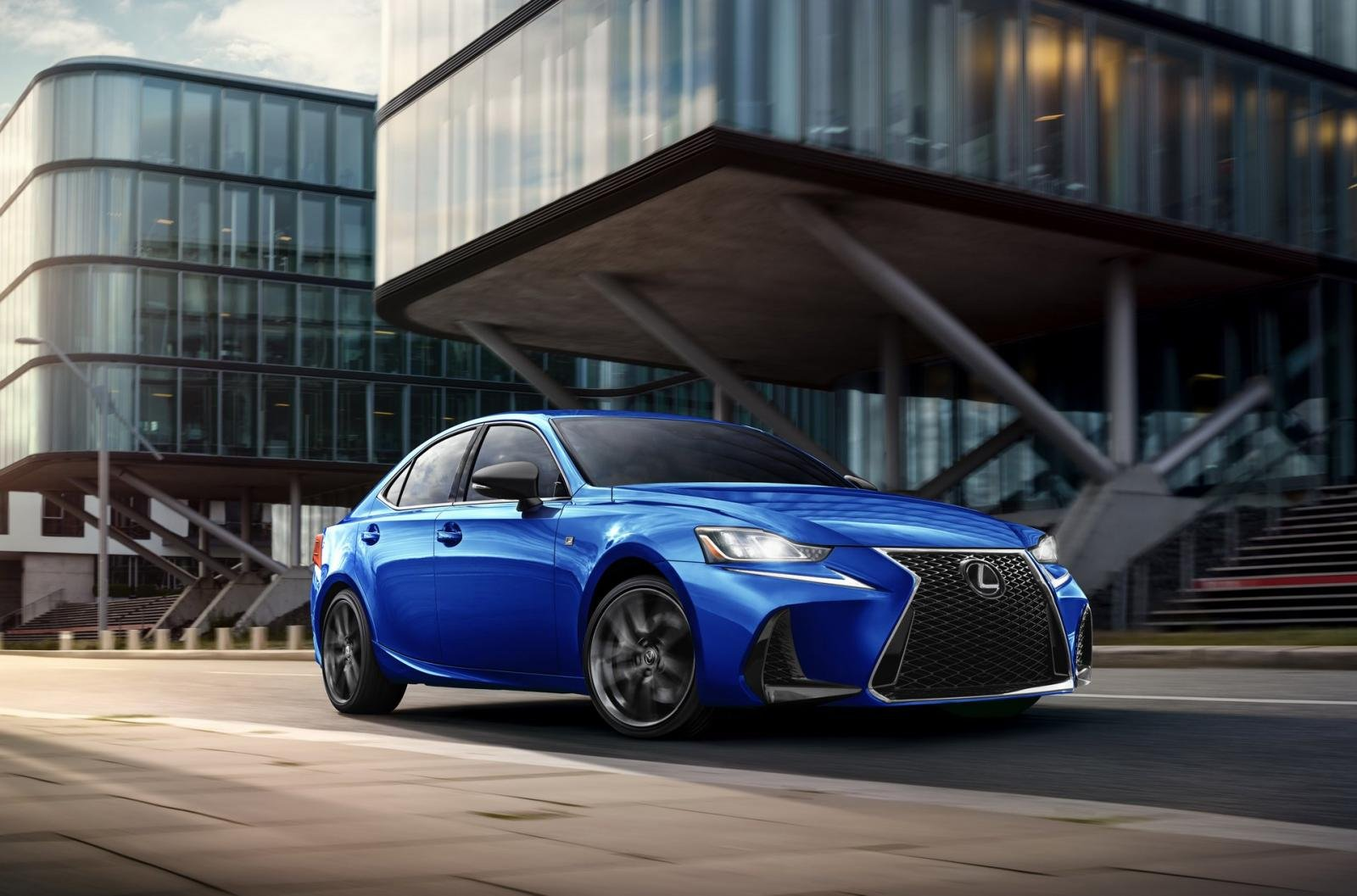 Lexus IS F Sport 2020 Blackline Special Edition chỉ sản xuất giới hạn 900 chiếc.