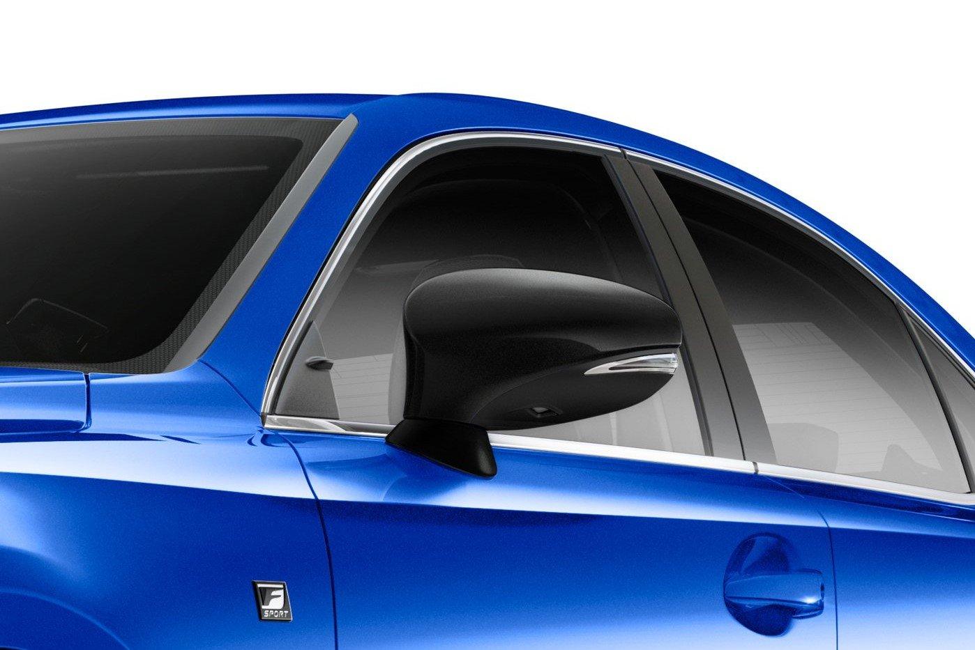 Lexus IS F Sport 2020 Blackline Special Edition sở hữu vỏ gương đen.