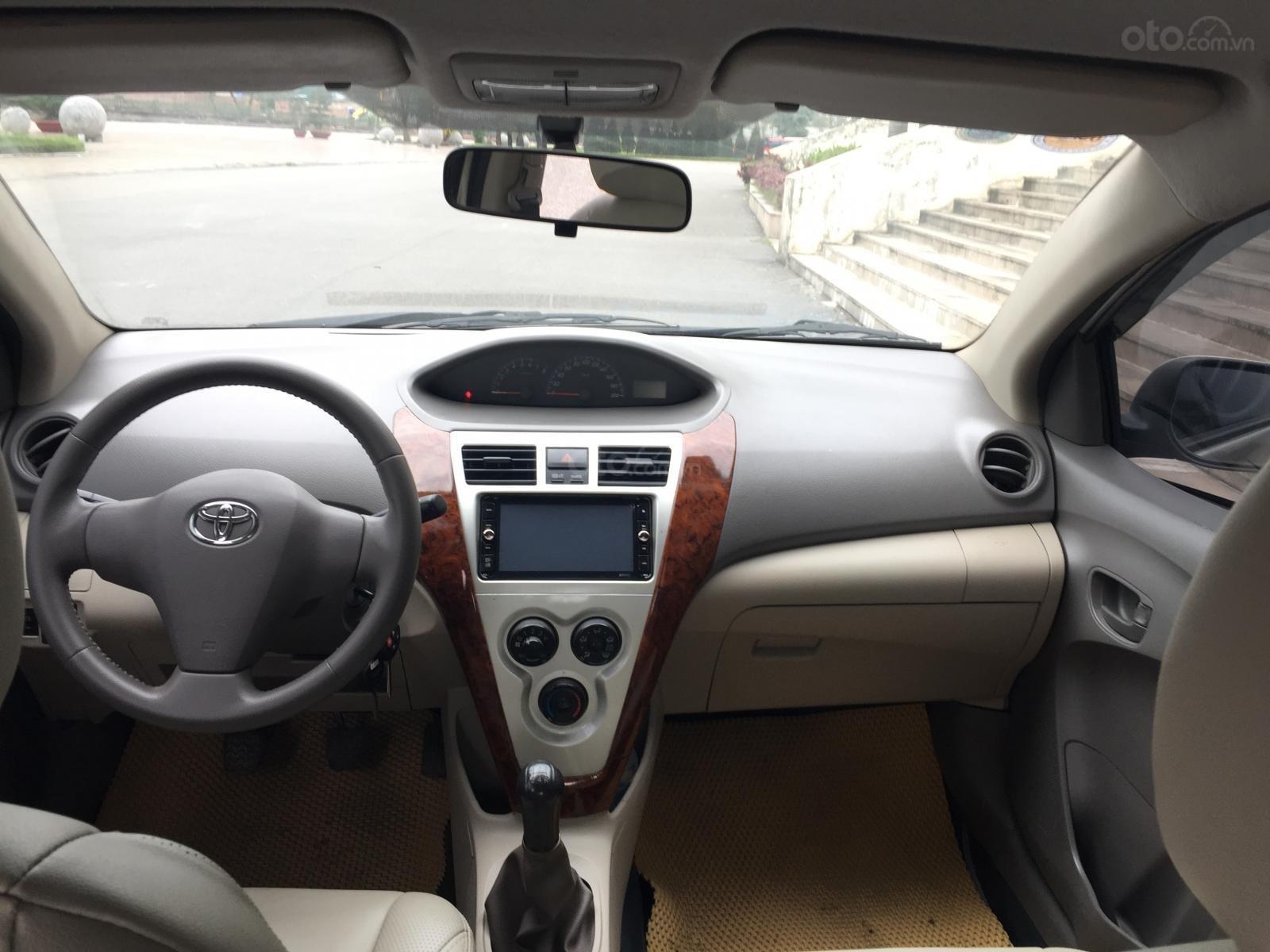 Bán xe Toyota Vios 1.5E 2013, màu vàng (4)