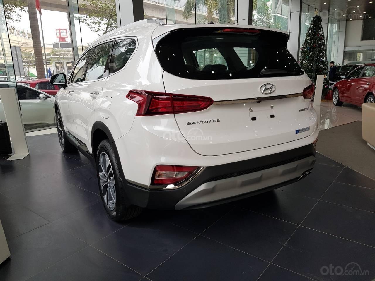 Mẫu Santa Fe 2019 mới nhất - Hyundai Hà Đông. Chỉ với 200tr là lấy xe hỗ trợ trả góp 90%, liên hệ: 0901078111 (3)