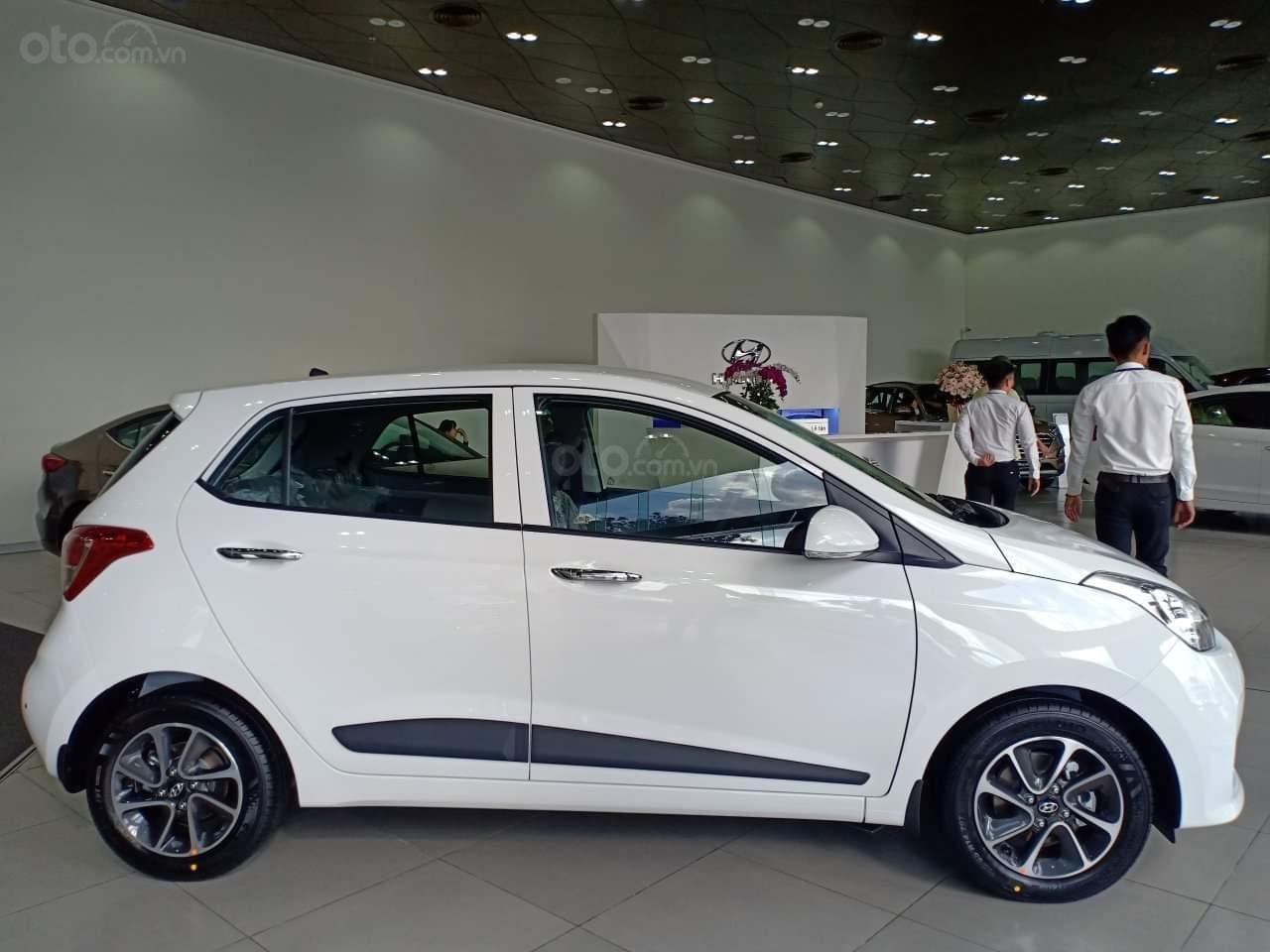 Hyundai Grand i10 giá tốt, nhiều khuyến mãi, quà tặng, hỗ trợ ngân hàng 80% giá xe (4)