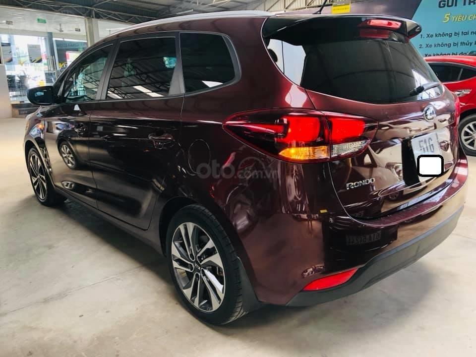 Bán ô tô Kia Rondo đời 2018, màu đỏ mận, số sàn, máy xăng, biển SG (3)