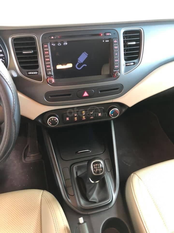 Bán ô tô Kia Rondo đời 2018, màu đỏ mận, số sàn, máy xăng, biển SG (6)