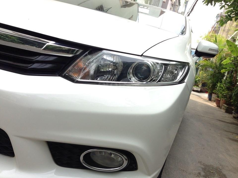Bán Honda Civic 2.0 tự động 2012, màu trắng cực kỳ trẻ trung (4)